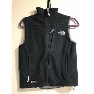 North Face windwall vest ☕️